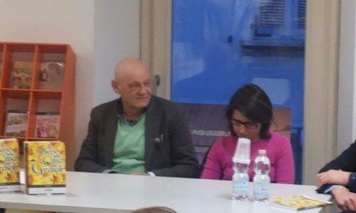 """Con """"Il Diario della Casa dei Girasoli"""", solidarietà e giornalismo alla Ibs di Novara"""