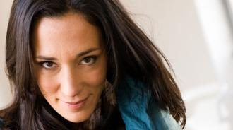"""Un nuovo successo per Chiara Gamberale:   """"Adesso""""? Un romanzo nato da un'urgenza interiore"""""""