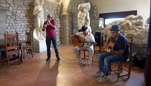 """""""Girotondo"""", il nuovo singolo del poliedrico trio Corde Nuove"""