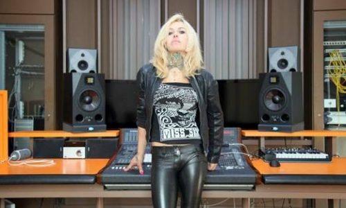 """LINDA D in radio dal 20 Marzo con il nuovo singolo """"Senza indugio"""""""