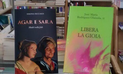 Alla libreria Paoline di Novara, due volumi per  riflettere sul significato della vita: dalla storia di due madri rivali ai possibili sentieri per raggiungere la felicità reale
