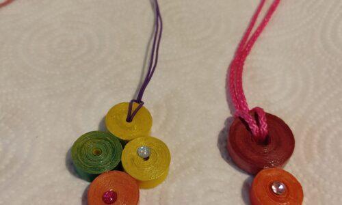 Originalità e allegria nelle collane artigianali realizzate con materiale di riciclo