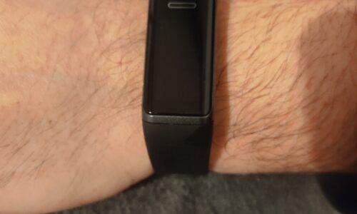 Controllo della salute, fitness e chiamate con il nuovo orologio fitness Yamay